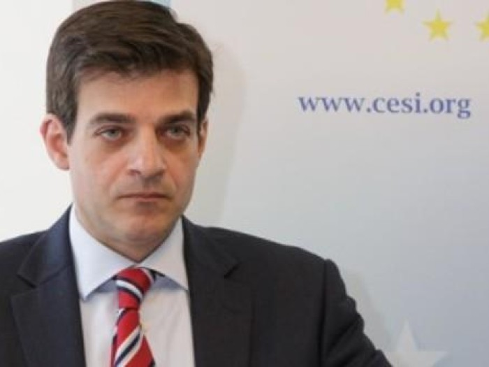 Έφυγε από τη ζωή ο Α. Γαλανάκης, πρώην εκπρόσωπος του ελληνικού ΥΠΟΙΚ στις Βρυξέλλες