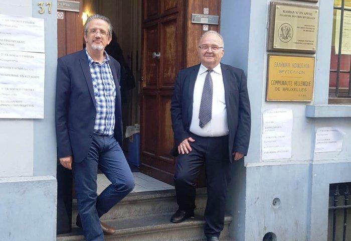 Ο πρόεδρος της Ελληνικής Κοινότητας Βρυξελλών, Δημήτρης Αργυρόπουλος (δεξιά) κι ο εκπρόσωπος της ΝΔ, Νίκος Κορογιαννάκης