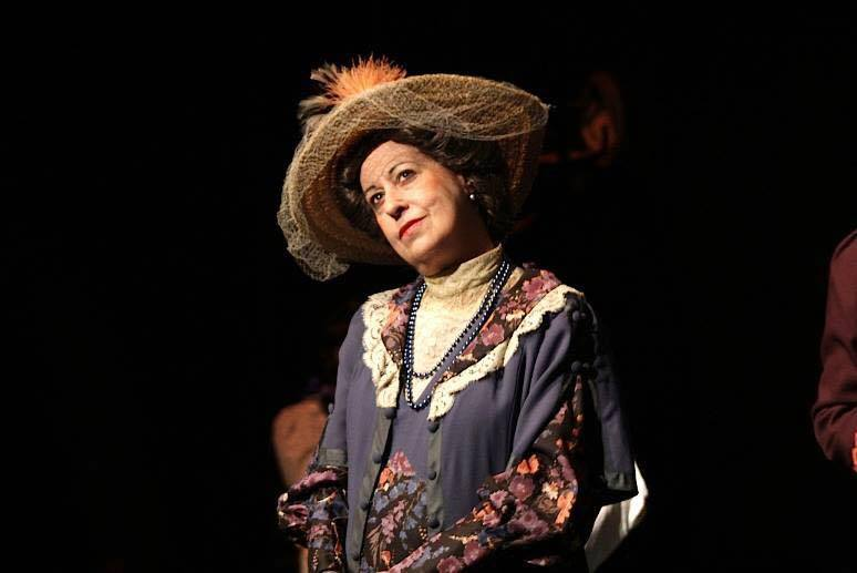 "H Μαρία Χούλη με τον Νίκο Παναγιωταράκη στην παράσταση ""Η Μικρή Μας Πόλη"" (Λύκειο Ελληνίδων Βρυξελλών)"