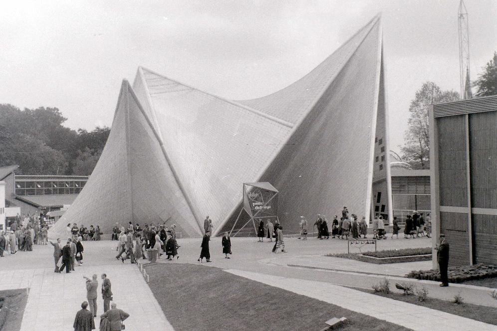 Το περίπτερο της Philips, σε σχέδια Λε Κορμπυζιέ και Ξενάκη