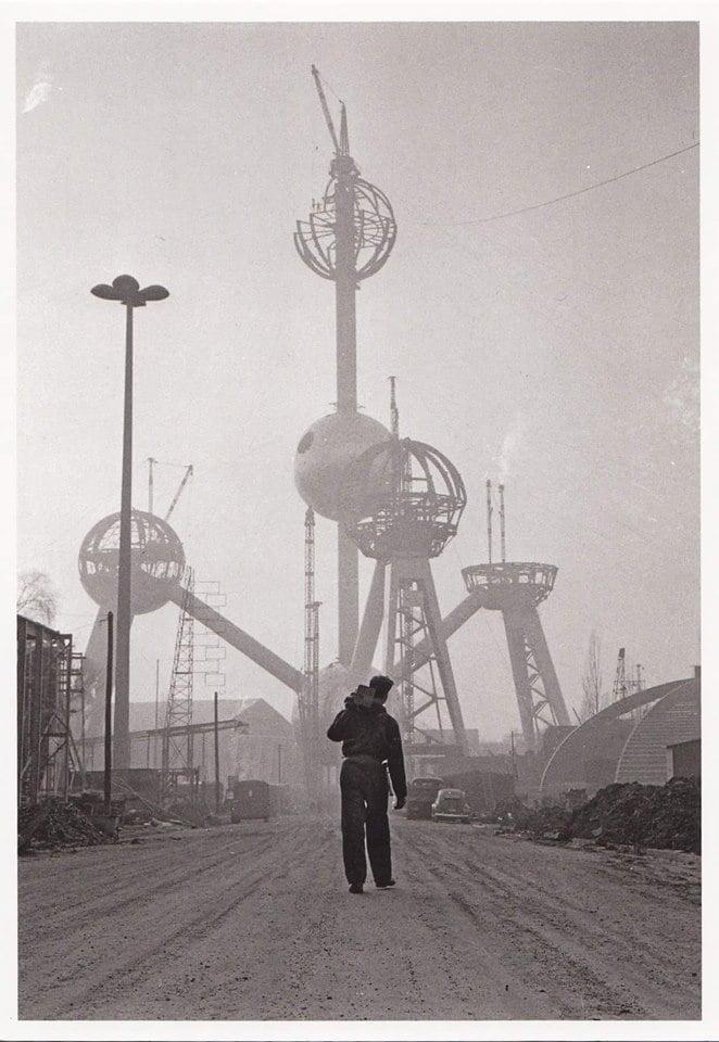 Η κατασκευή του Atomium. 1958. (photo: Dolf Kruger)